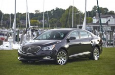 2014-Buick-LaCrosse-033-medium