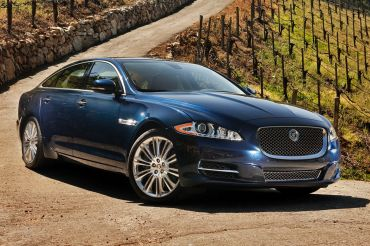 2015_Jaguar_XJ_4dr_Sedan_30L_6cyl_SC_8A_3746497